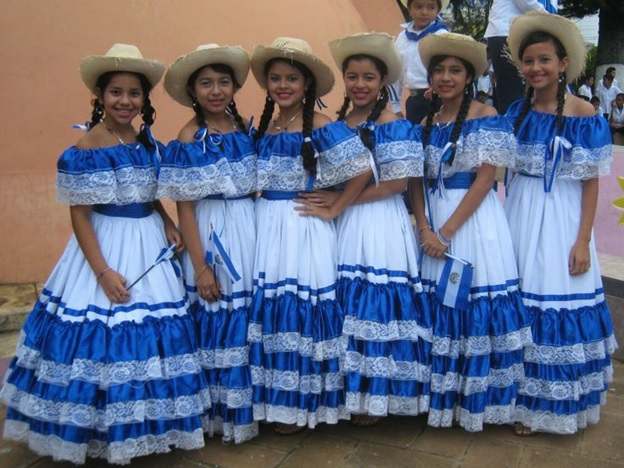 What is The National Dress of El Salvador?