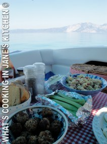 Greek Meatballs : Summer Picnic