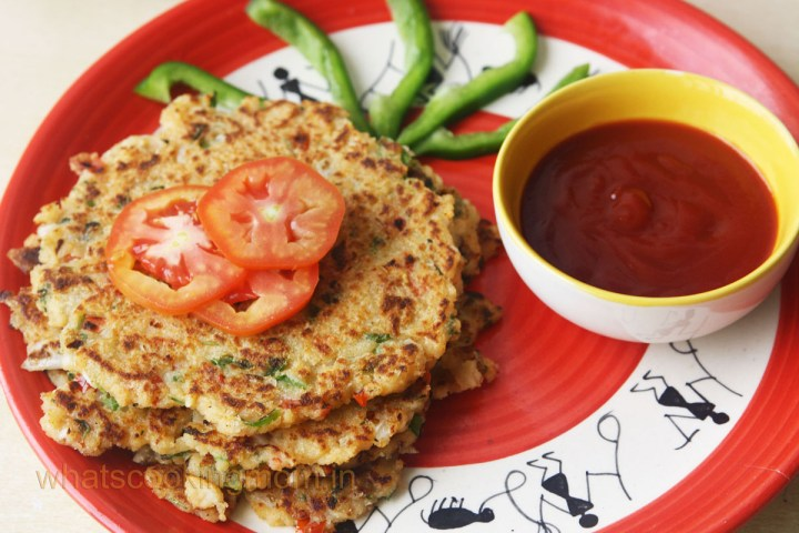 Bread pancakes/uttapam - savory bread pancakes, vegeterian, breakfast, kids lunch box, snacks