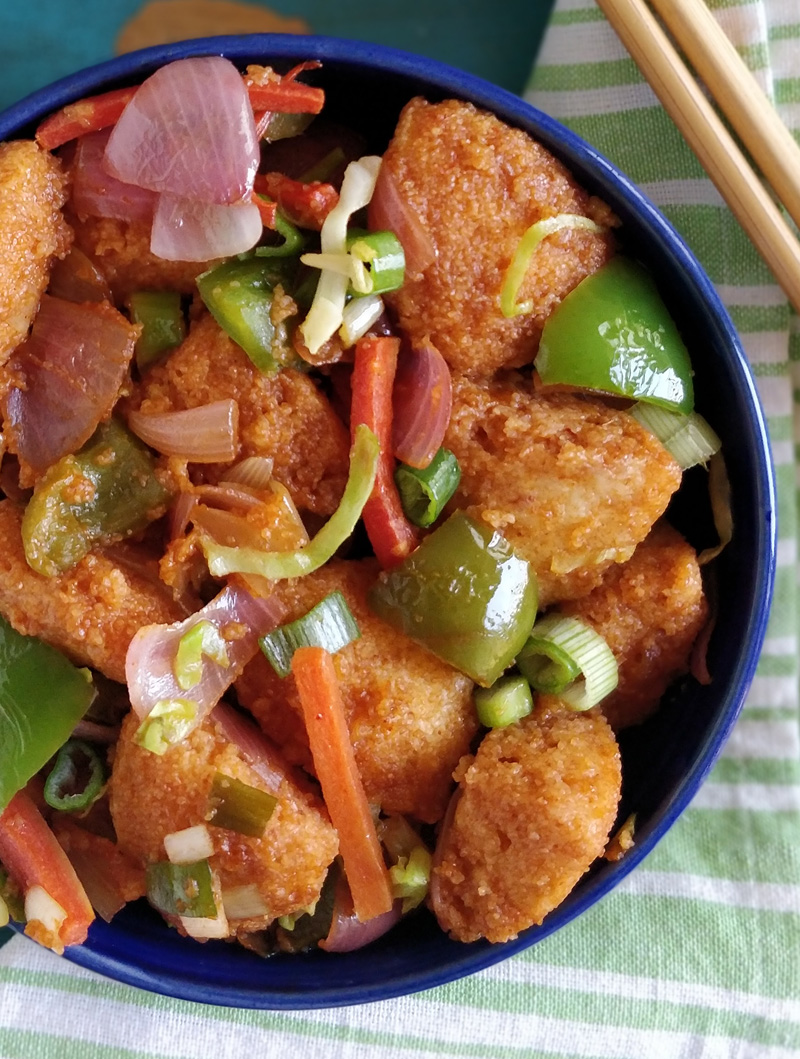 Chilli idli - chinese style idli made with leftover idlis, perfect for #breakfast, #snacks, #kidslunchbox