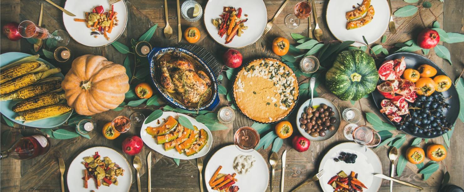 vegan thanksgiving dinner table