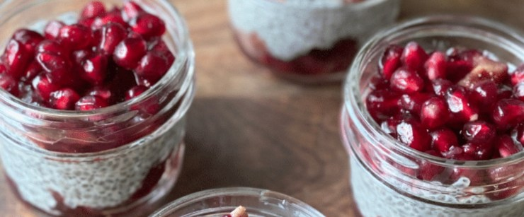 gut-healthy recipes: pomegranate chia pudding