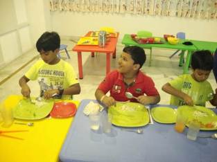 dining-etiquette-for-kids-at-kydzadda-1