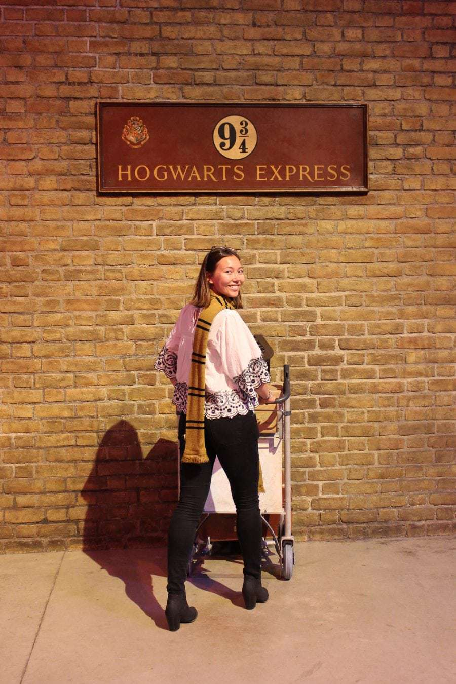 Ultimate Guide to the Warner Bros Harry Potter Studio Tour London! A visit to the Harry Potter studios is a must for any Harry Potter fan. There you will find the real life Harry Potter filming locations and you can go on a self-guided tour around the London studios. Expect lots of magical installations as well as the chance to try some butterbeer! #whatshotblog #harrypotter #harrypotterbooks #harrypotterfan #warnerbros #traveltips