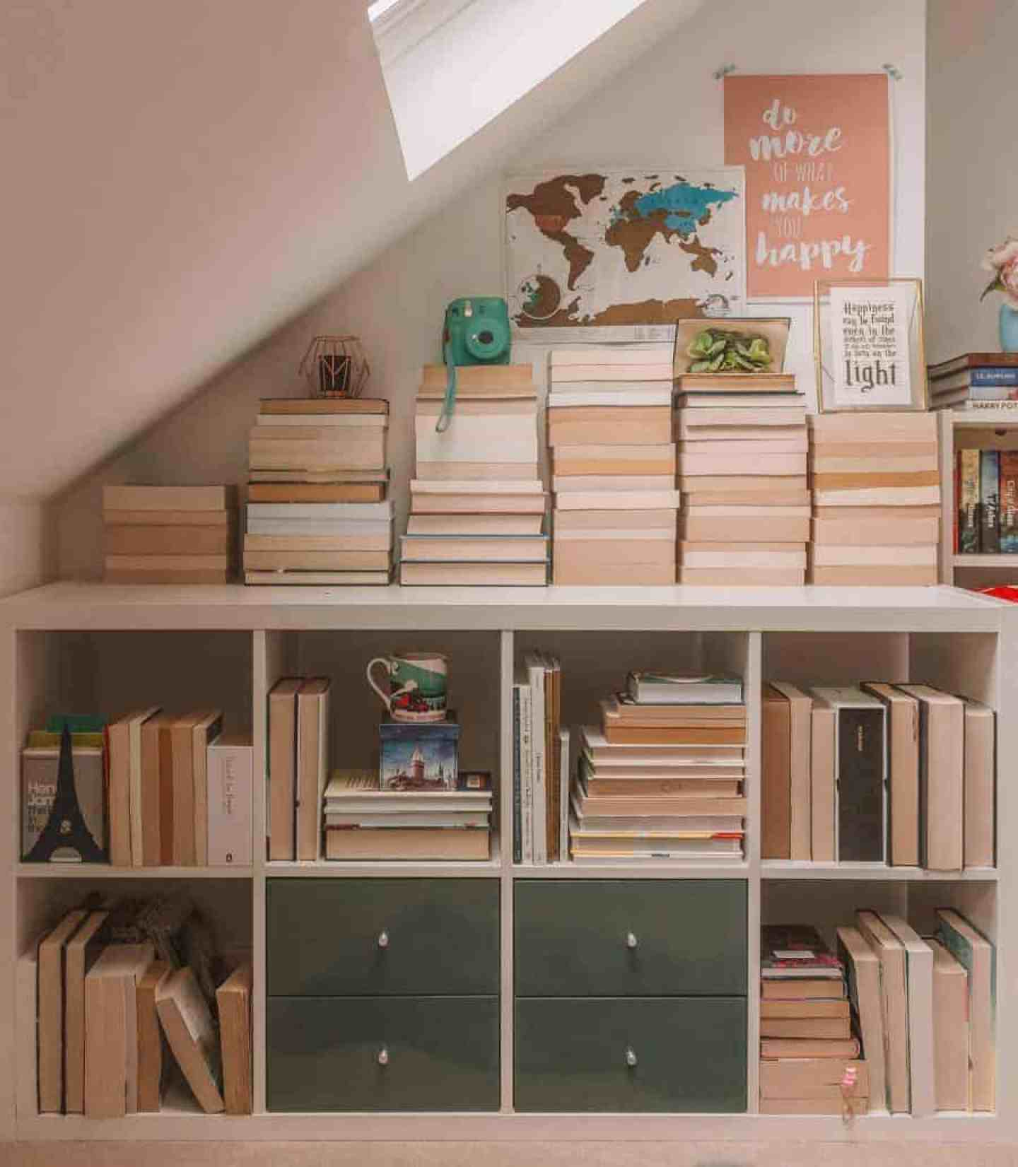 How to Declutter Your Bookshelves: 7 Questions to Ask Yourself