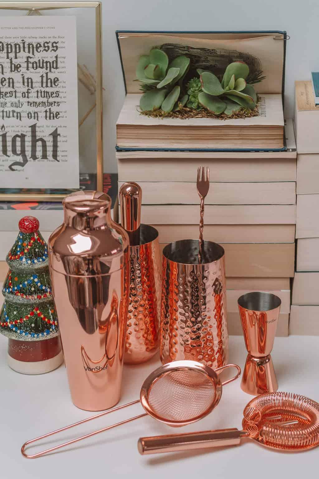 Cocktail Set - Christmas Gift Guide 2018: Brilliant Christmas Gift Ideas For Her #whatshotblog