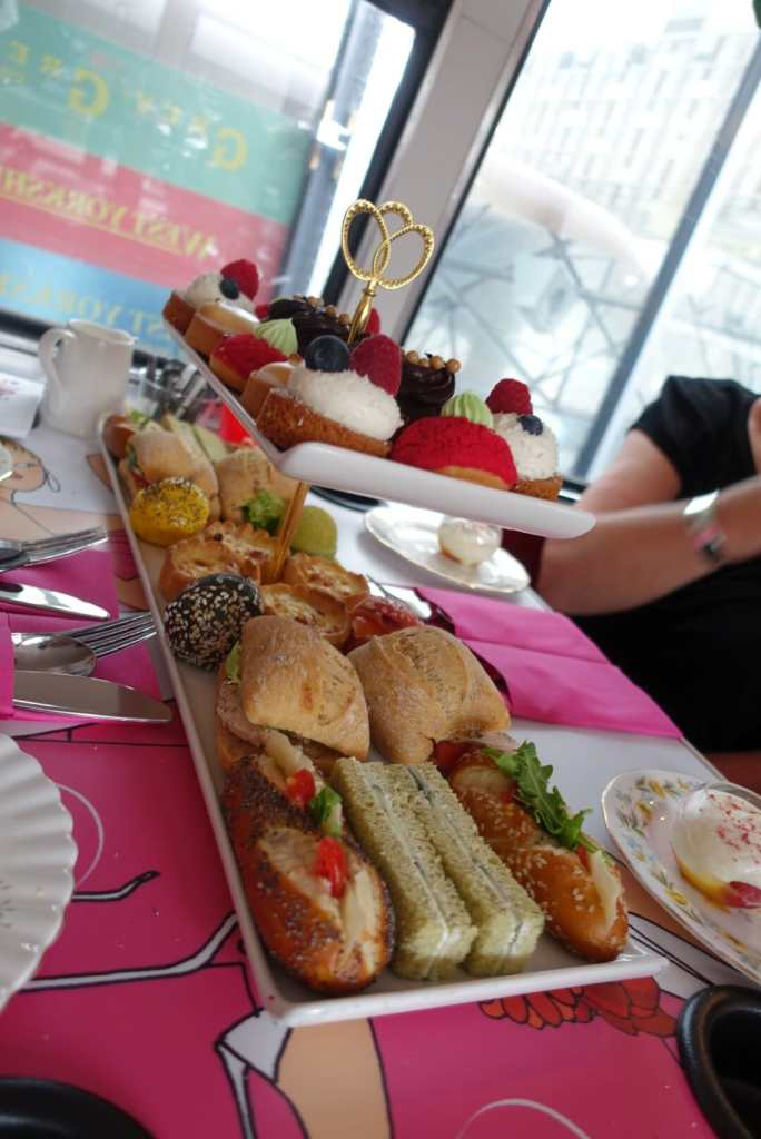 What is afternoon tea? on What's Katie Doing? blog