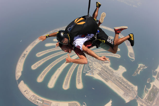 Skydive Dubai - pictures and video