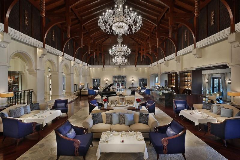 lobby lounge ritz carlton