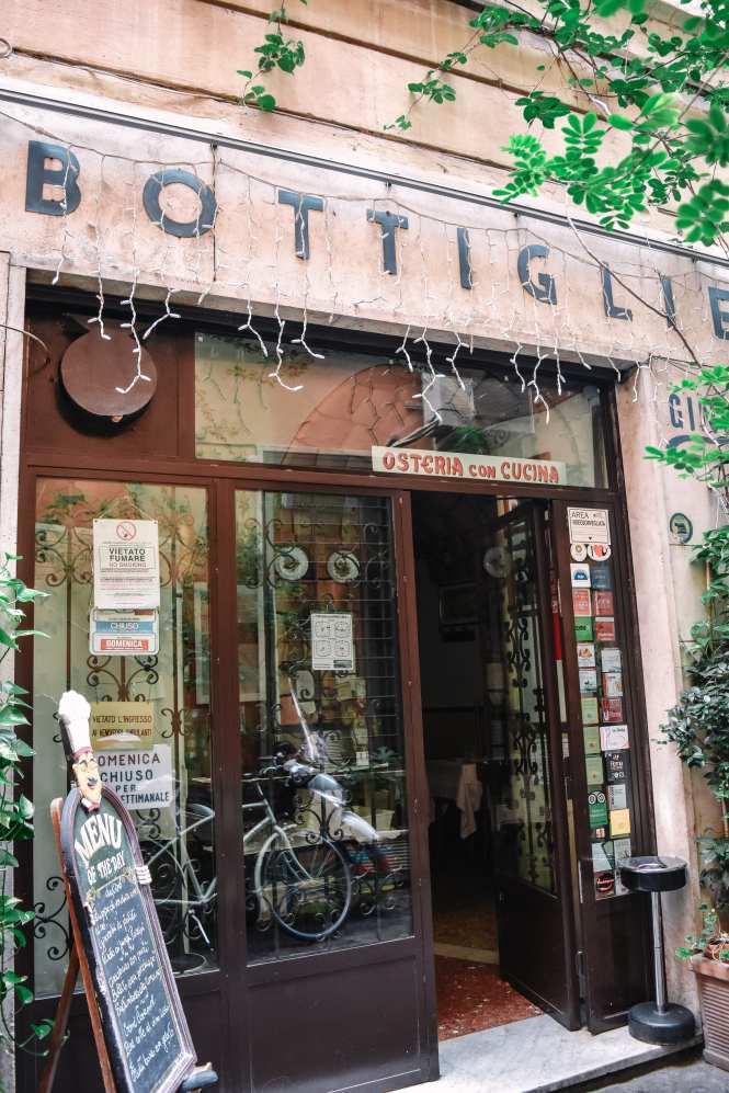 The Best Places To Eat in Rome - A Local's Guide