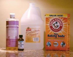 vinegar baking soda natural household cleaners diy