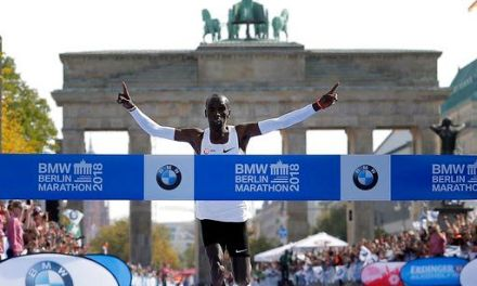 Eliud Kipchoge sets world record in Berlin marathon win