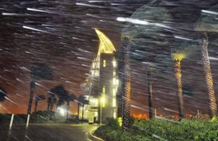 Hurricane Matthew spares South Florida, pushes north