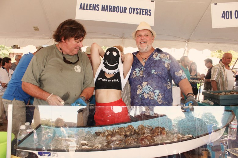whats-up-newport-visual-manor-ocean-state-oyster-17