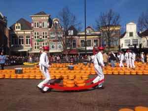 Tour Alkmaar and cheese market