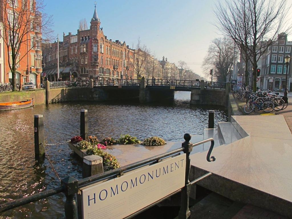 Homo monument Amsterdam