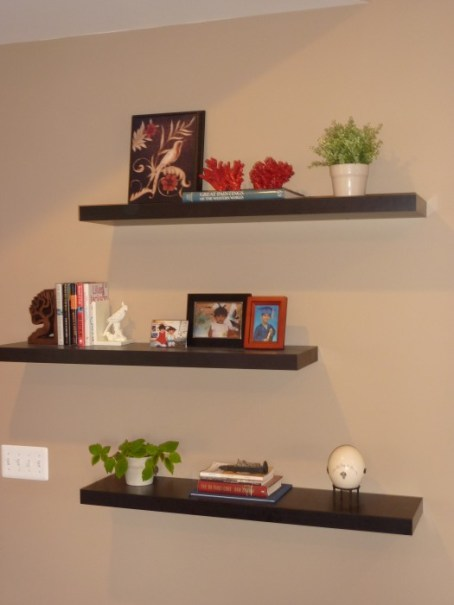 How to decorate around a tv with floating shelves whats - How to decorate shelves in living room ...