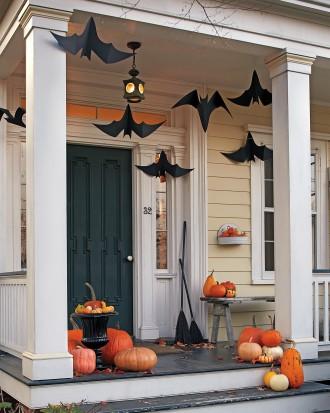 DIY bats, inexpensive Halloween decor, last minute halloween decorations