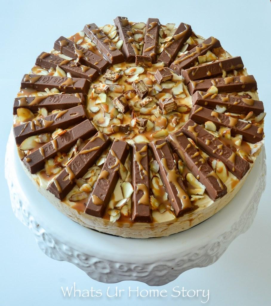 kitkat cake-no bake caramel cheesecake