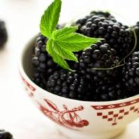 10 Amazing Nutritional Benefits of Blackberries