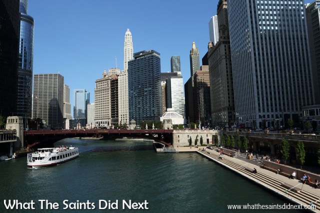 The Windy City of Chicago is set off by the Chicago River.