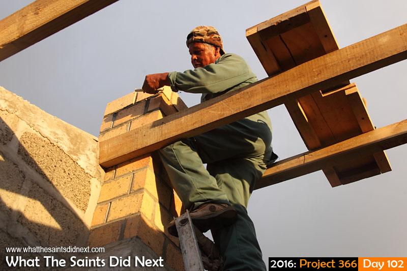 'Twenty'<br /> 11 April, 2016, 17:57 - 1/160, f/6.3, ISO-400<br /> Builder at work.