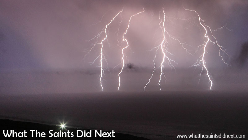 thunder and lighting images. thunder and lighting images