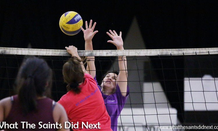 Sport Photography Tips – How to Photograph Indoor Volleyball