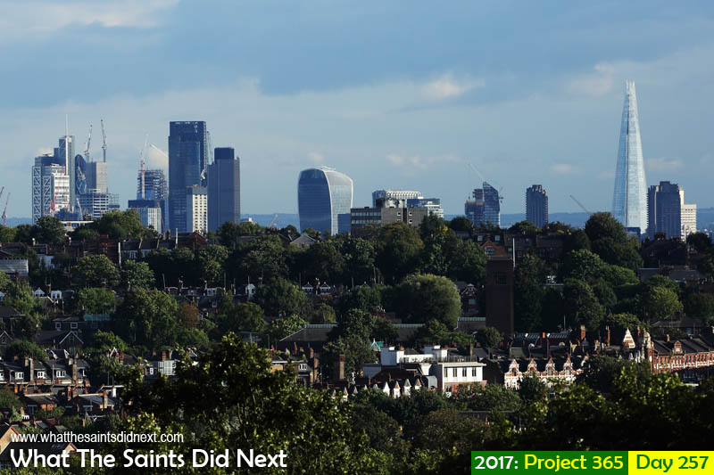 'A note from Jane'<br /> 14 September, 2017, 17:10 - 1/1000, f8, ISO-400<br /> London skyline taken from Muswell Hill.