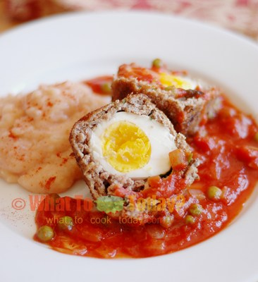 BIRDS' NESTS WITH PINK POTATO PUREE FOR EASTER