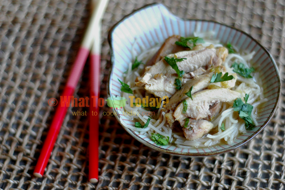 STEAMED LEMON CHICKEN WITH NOODLES