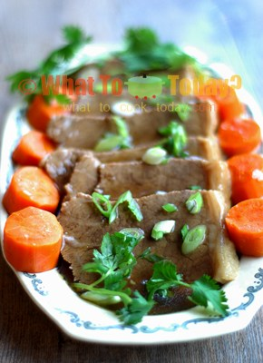 STEAMED BEEF BRISKET WITH WINE SAUCE