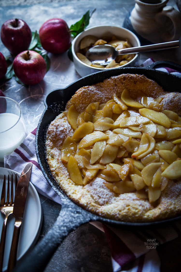 Pannekoeken (Dutch baby pancakes).The best Dutch baby recipe you can ever have
