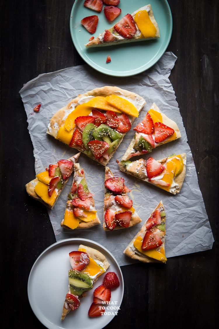 2-ingredient yogurt pizza dough and fruit pizza #ad #HorizonLunch