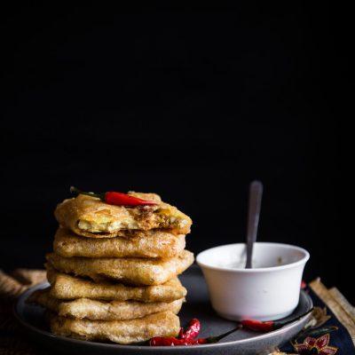 Tempeh Mendoan / Crispy Thin Fried Spiced Tempeh