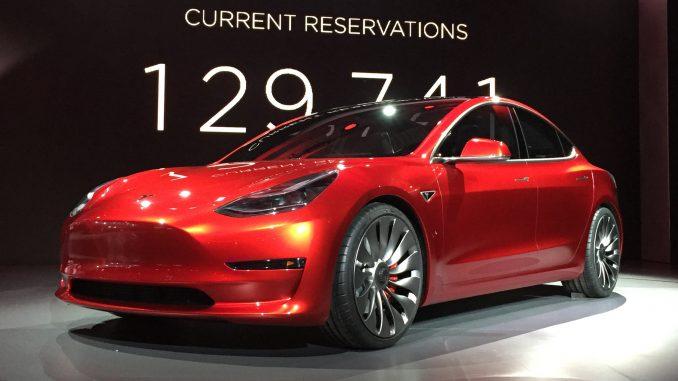 Bitfury предложил Tesla продавать автомобили за биткоины