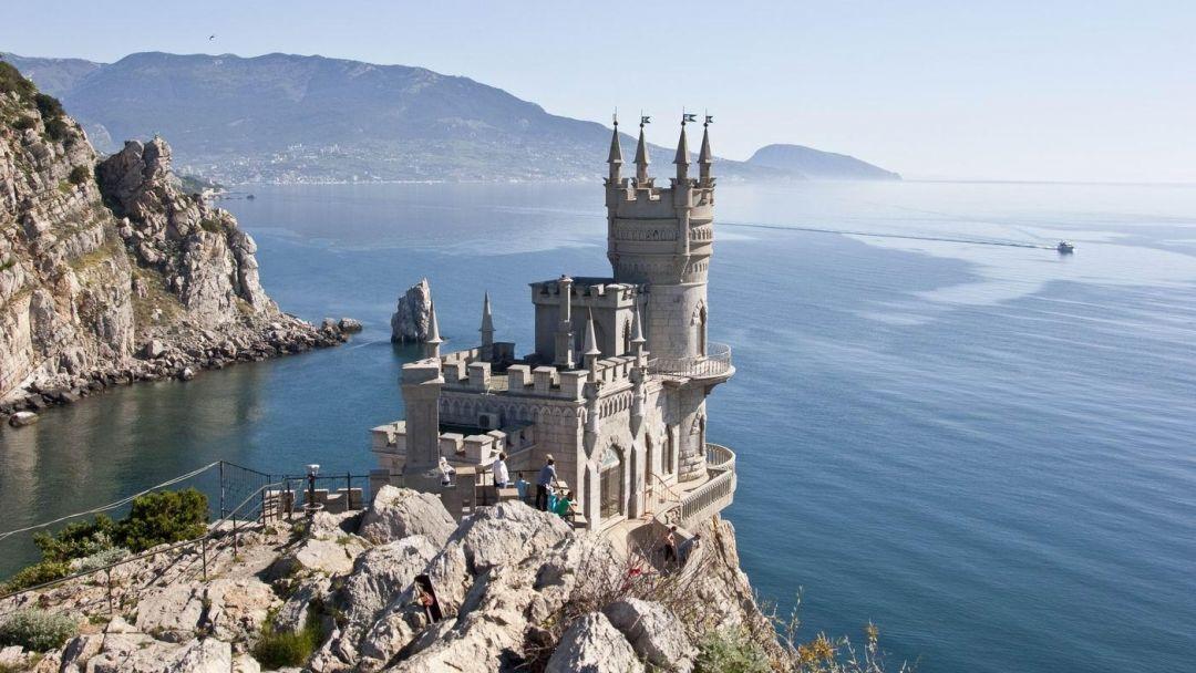 Власти Крыма предложили легализовать на полуострове криптовалюты