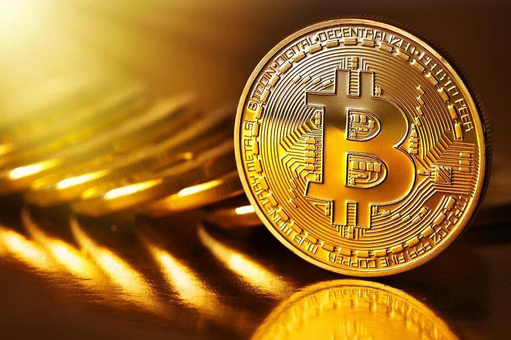 Курс биткоина снизился до $36800, не исключение падение к $30000