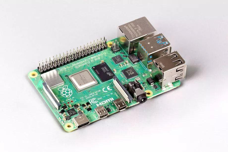 Выпущен новый микро ПК Raspberry Pi 4 с 8 ГБ ОЗУ