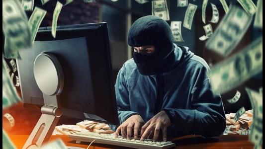 Биржа Bitfinex готова заплатить более $400 млн за возврат 120 000 биткоинов