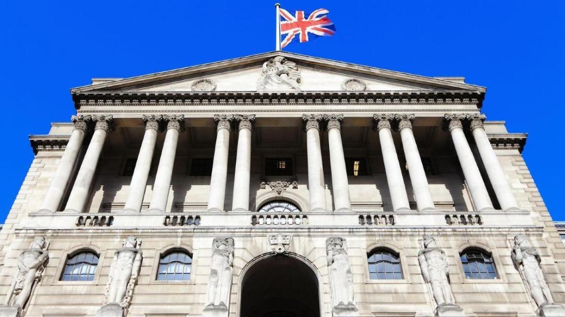 Коммерческие банки будут вынуждены принять криптовалюту