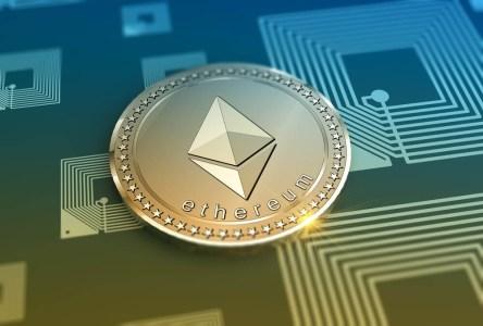 Ethereum пытается закрепиться выше $700