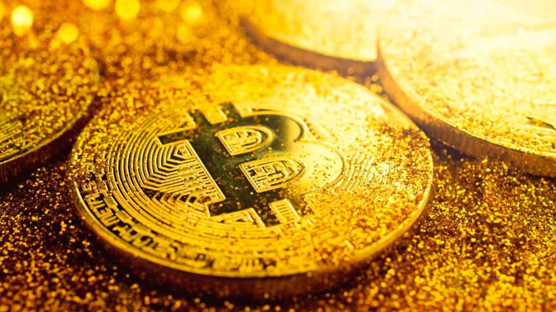 Эксперты связывают резкое падение ВТС с укреплением ценовых позиций доллара и золота
