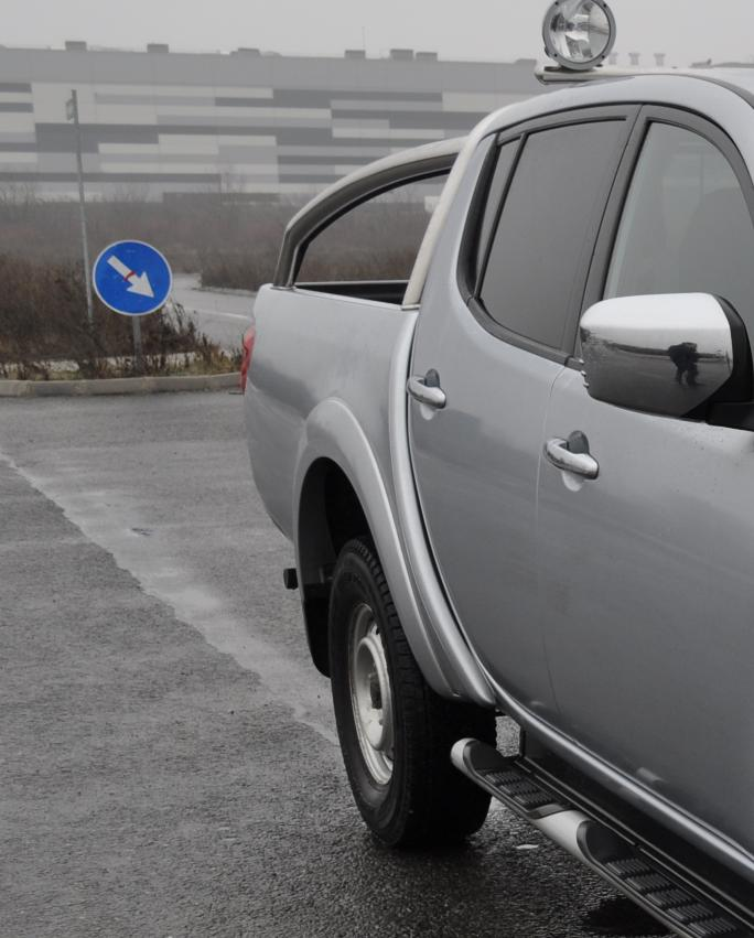 test drive mitsubishi l200 2014 drive test l200 test consum l200 cat consuma l200 motor 2.5 DI D 178 cp cutie automata L200 27 Test Drive cu noul Mitsubishi L200 Double Cab DI D High Power 2014