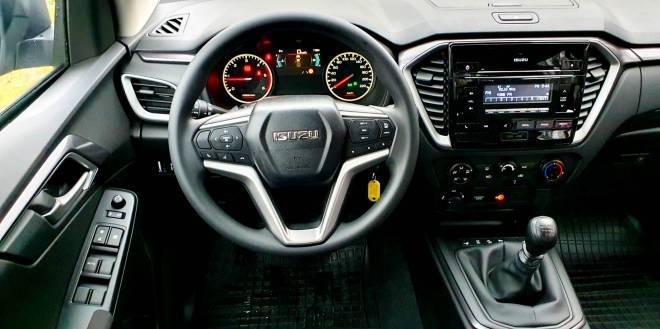 test drive Isuzu D-Max RG01 1.9 2020 MT6 Style, review Isuzu D-Max RG01 1.9 2020 MT6 Style 2021, whattruck, teste auto Isuzu D-Max RG01 1.9 2020 MT6 Style, pret romania, consum Isuzu D-Max RG01 1.9 2020 MT6 Style, 0-100 Isuzu D-Max RG01 1.9 2020 MT6 Style, lista preturi dmax 2021, garda la sol, drive test Isuzu D-Max RG01 1.9 2020 MT6 Style, test ro Isuzu D-Max RG01 1.9 2020 MT6 Style