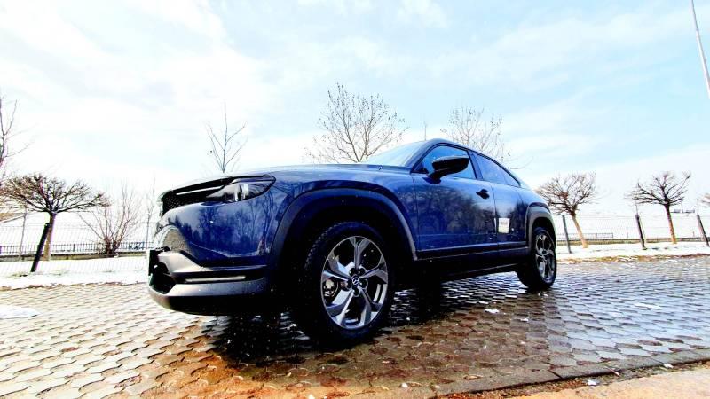 Test Drive cu suprinzatoarea Mazda MX-30 e-Skyactiv 143 CP 35.4 kwh 2021