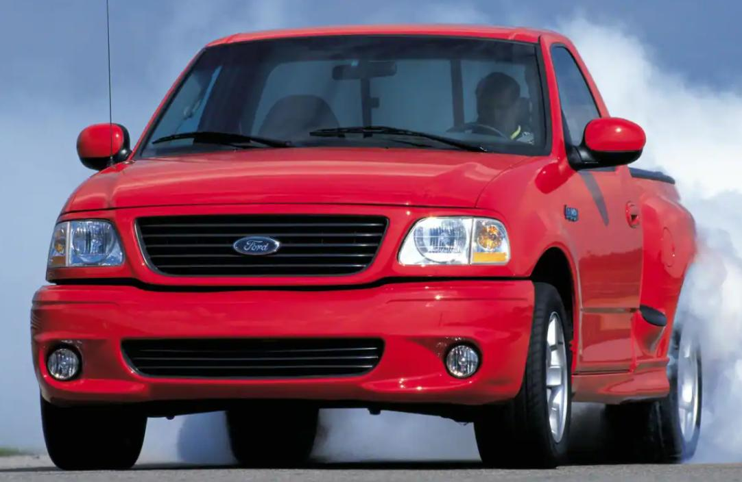 Cea mai bine vanduta masina din SUA primeste o versiune EV! Ford SVT F-150 Lightning 2022
