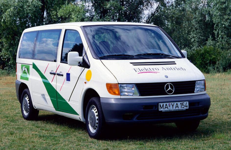 Mercedes-Benz Vito 108 E W638 lansat in 1996 era electric si mergea 170 km
