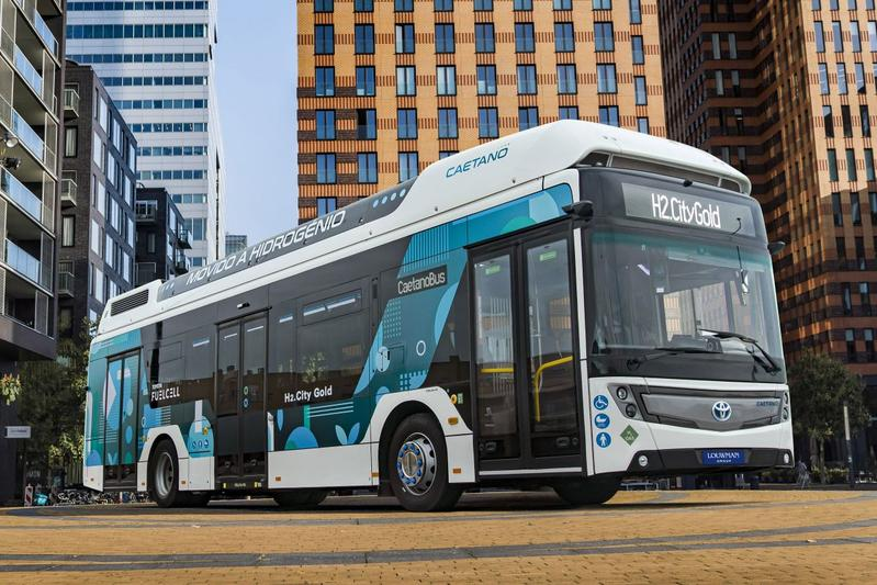 Toyota a lansat un autobuz electric construit in Portugalia