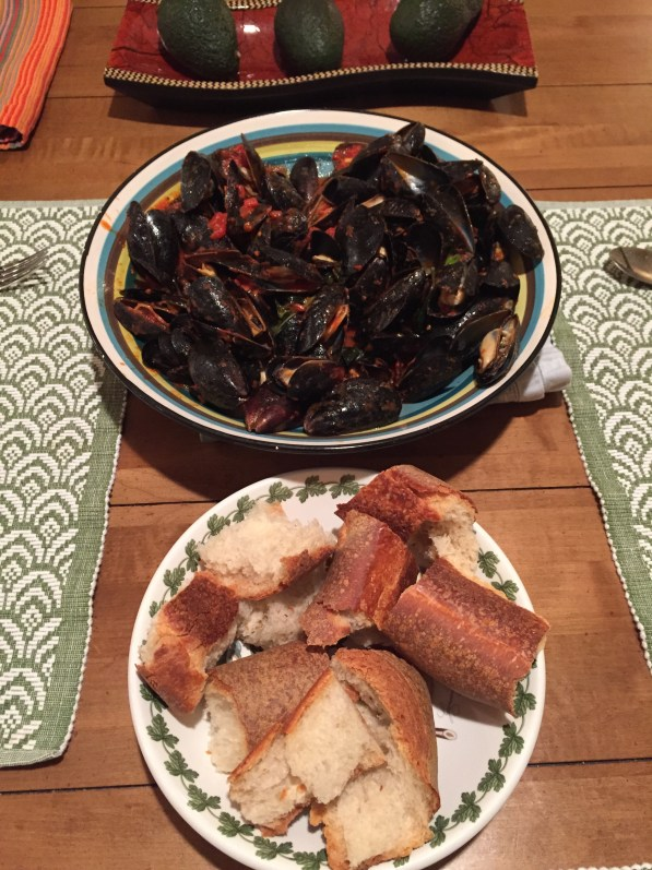Mussels in spciy tomato broth